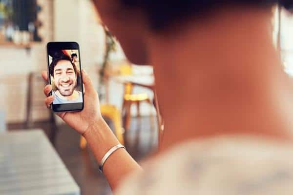 Making Phone and Video Calls with Messenger